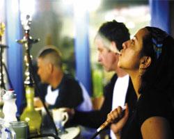 Дабы обезопасить граждан введут запрет на курение кальяна
